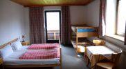 Tirol Inntal Tulfes Gruppenunterkunft Familienzimmer_Stockbett